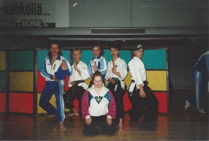 Tenkai-joukkue vuonna 1993 Lahdessa. Nuorteva, Alaranta, Kolsi, Hakuli, Reinikainen ja shuyaku Järvinen